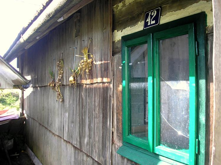 Шимлом окована Тошића кућа у Благају